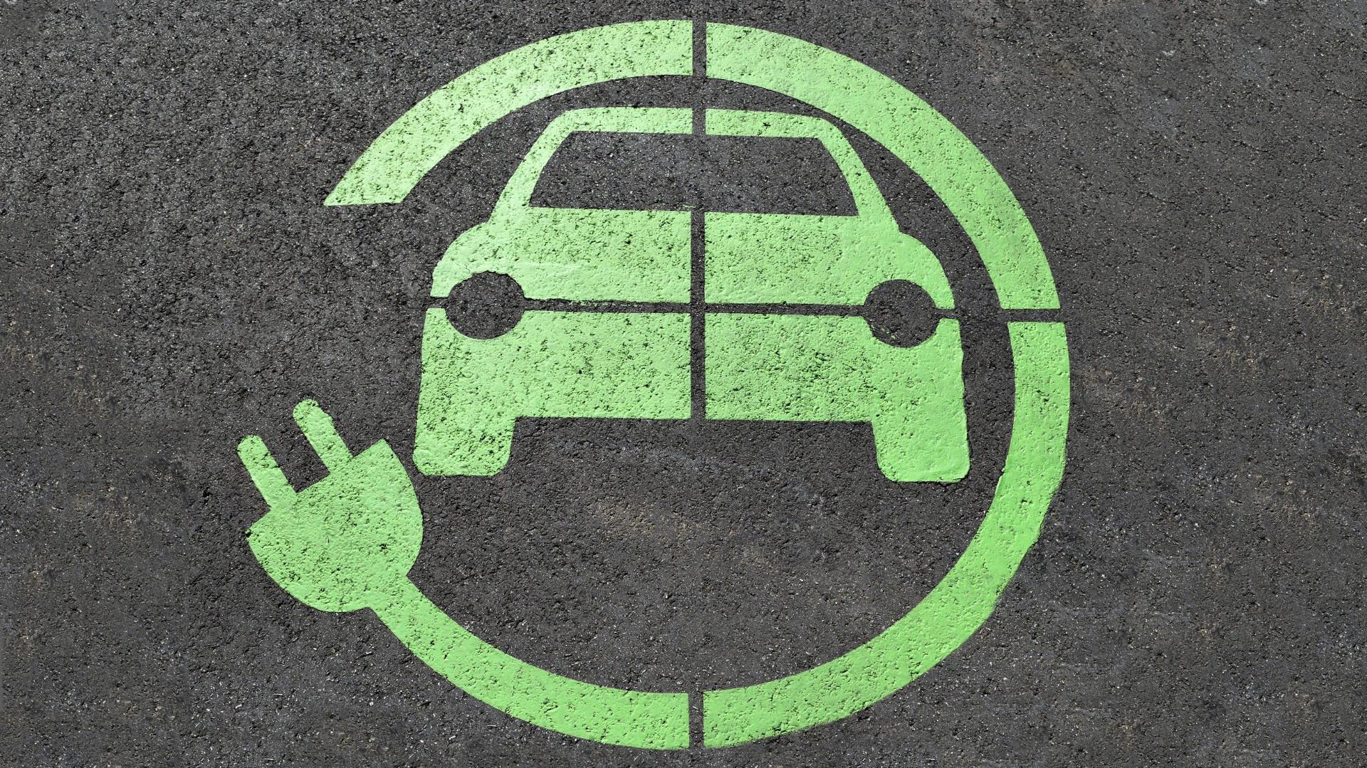 regione-lombardia-stanzia-26-milioni-per-rinnovare-parco-veicolare-con-auto-e-moto-a-basso-impatto-ambientale-minicarmilano-aixam-minicar-elettrica