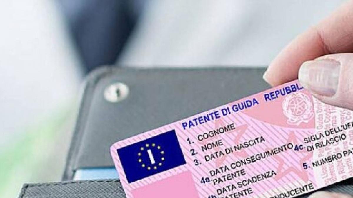 Patente di guida Scaduta: Rinnovo, Sanzioni, Ritiro e tutto ciò che bisogna sapere