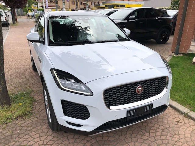 jaguar-e-pace-yulong-white-aziendale-usato-1