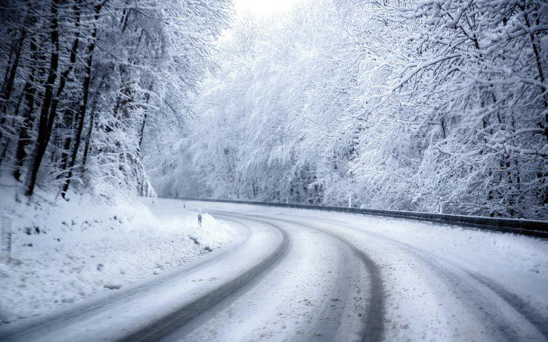 SICHER UNTERWEGS AUF NEUSCHNEE: Nützliche Fahrtipps von Autoplus Bozen