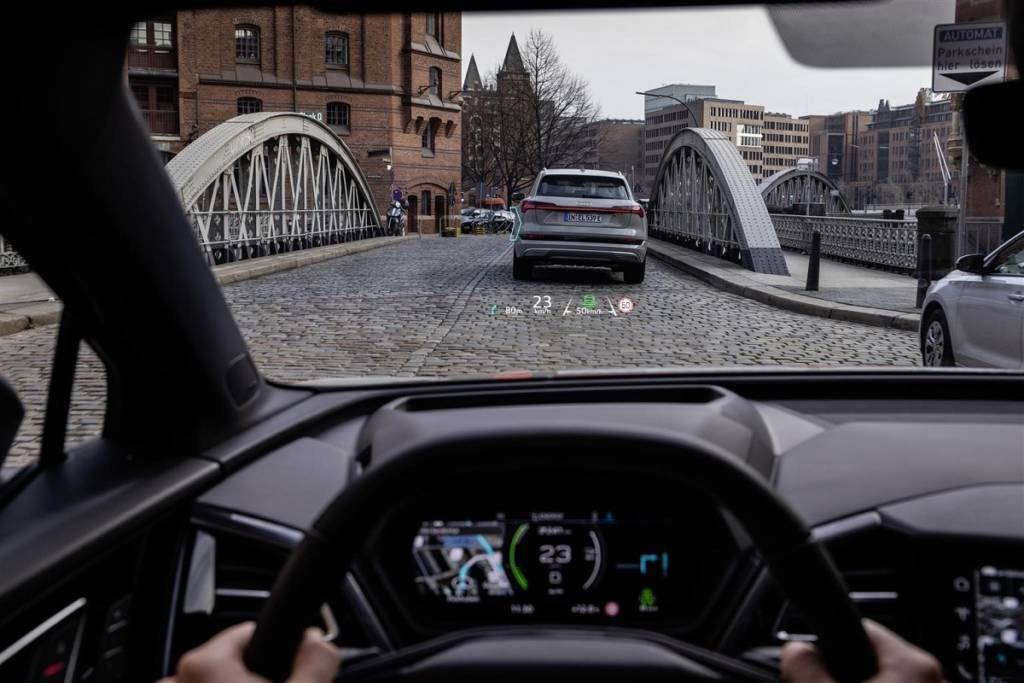 head-up-display-q4-e-tron-1024x683