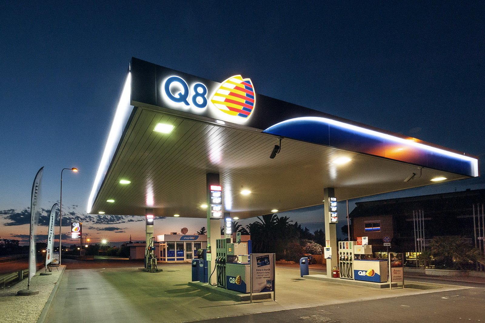 q8-stazione-servizio_1